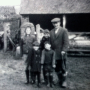 Locks-Beam-Farm-Torrington-North-Devon-1970-copyright-Barbara-Hollyhead