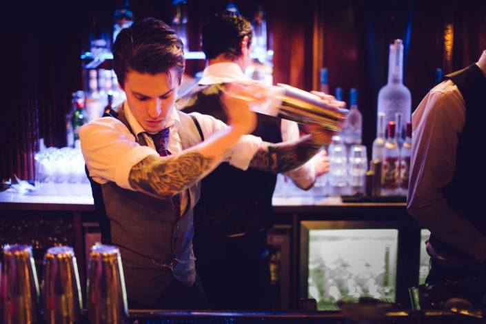 bristol-cocktail-week-the-mauretania-gareth-cockail-making-taphouse-photography